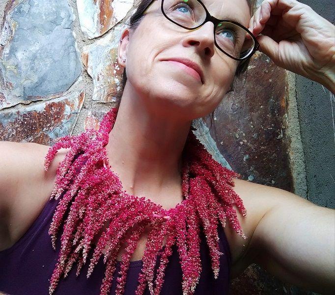 Emma Beteta Embruix Jewels Collaret Amarant
